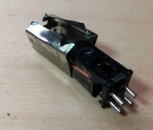 Phono cartridge shield removed