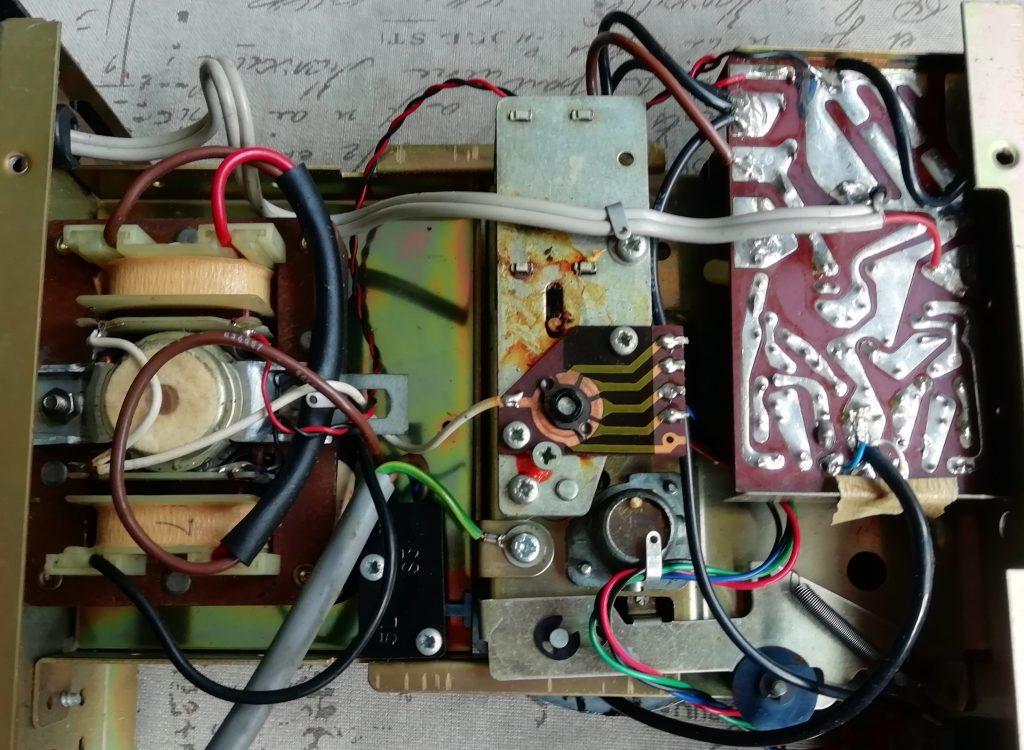 8 track cartridge player