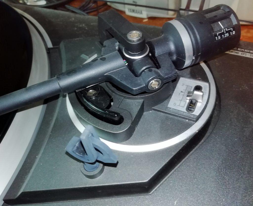 SX200 Arm pivot