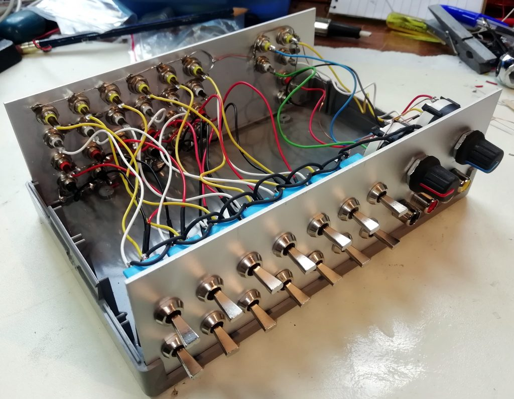 Tape switch box